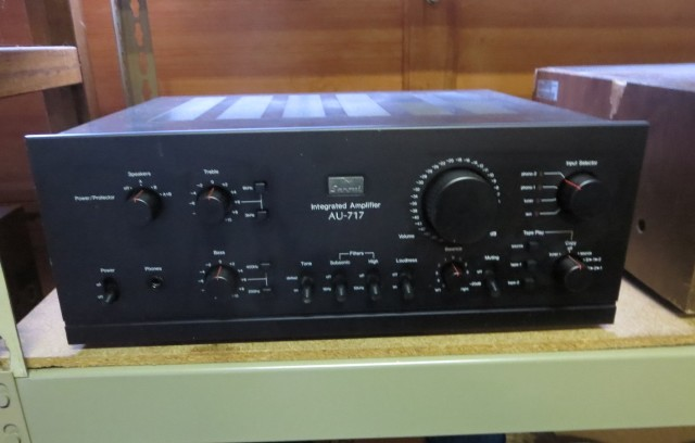 A 717 ready to be shipped to Kory. We get a lot of these, which really includes the whole up to the 20000, kind of like Sansui's final statement on the integrated amp. Very nice looking, very nice sound.